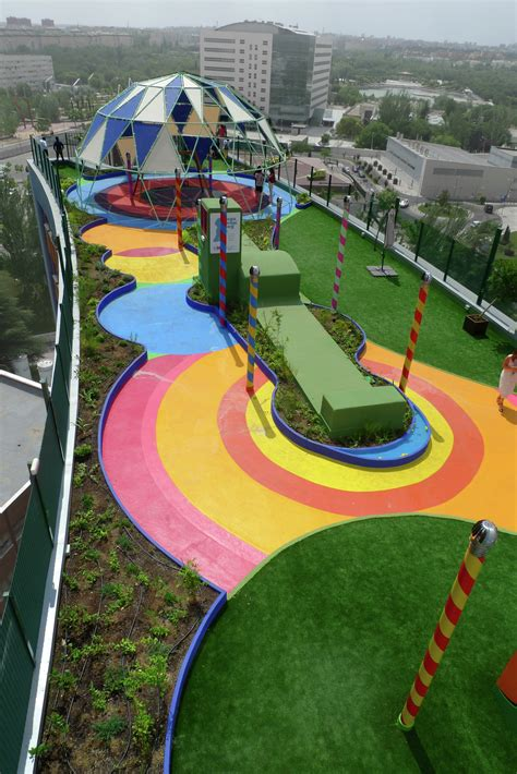 Garden and Playspace / Moneo Brock Studio | ArchDaily
