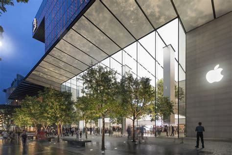 Apple Opens its First Flagship Store in Singapore | ArchDaily
